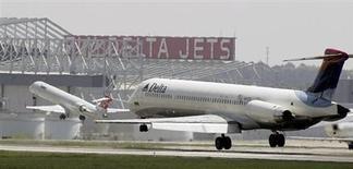 Delta Air Lines, qui réintégrera l'indice S&P-500 à la clôture de la séance de mardi en remplacement de BMC Software, à suivre lundi sur les marchés américains. /Photo d'archives/REUTERS/Tami Chappell