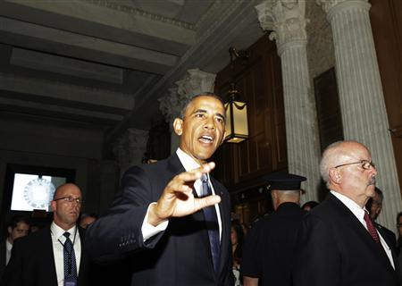 U.S. President Barack Obama leaves a luncheon meeting with Senate Republicans in Washington September 10, 2013. REUTERS/Gary Cameron