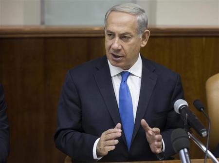 Israel's Prime Minister Benjamin Netanyahu attends the weekly cabinet meeting in Jerusalem September 8, 2013. REUTERS/Uriel Sinai/Pool