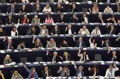 Le Parlement européen a donné jeudi son accord définitif à la création d'un mécanisme européen de surveillance des banques dont la mission sera dévolue à la Banque centrale européenne. Le but est de prévenir, mieux que les autorités nationales ne l'ont fait jusqu'à présent, de futures défaillances bancaires au sein de l'UE. /Photo prise le 12 septembre 2013/REUTERS/Vincent Kessler