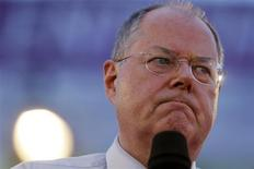 Peer Steinbrueck of Social Democratic Party (SPD), a challenger of German Chancellor Angela Merkel, addresses an election campaign rally in the western German city of Essen September 5, 2013. REUTERS/Wolfgang Rattay