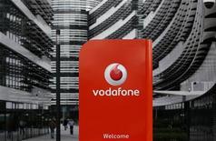 Vodafone a annoncé lundi avoir obtenu 76,48% de Kabel Deutschland, à la suite de son offre de 7,7 milliards d'euros sur le premier câblo-opérateur allemand. /Photo prise le 12 septembre 2013/REUTERS/Ina Fassbender