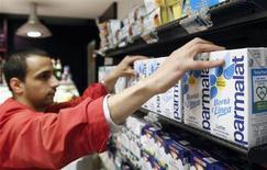 Le conseil d'administration de Parmalat, qui menait des discussions exclusives avec conglomérat laitier Lacteos afin de déterminer si les conditions d'une possible acquisition existaient, aurait renoncé à cette opération. /Photo d'archives/REUTERS/Max Rossi