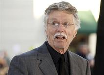 "Actor Tom Skerritt poses at the premiere of his new film ""Whiteout"" in Los Angeles in this September 9, 2009 file photo. REUTERS/Fred Prouser/Files"