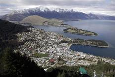 A general view of Queenstown is seen in this September 14, 2011 file photo. REUTERS/Stefan Wermuth/Files