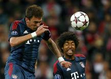 Mario Mandzukic marca gol do Bayern de Munique sobre o CSKA nesta terça-feira. REUTERS/Michael Dalder