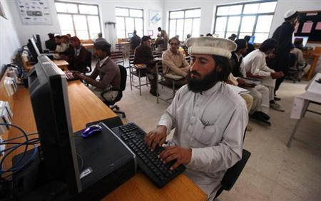 A man attends a computer class in Wana, the main town in Pakistan's South Waziristan tribal region bordering Afghanistan November 27, 2012. REUTERS/Faisal Mahmood/Files