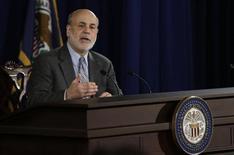 Chairman do Federal Reserve, Ben Bernanke, fala durante coletiva de imprensa em Washington. O Fed afirmou nesta quarta-feira que continuará comprando títulos ao ritmo de 85 bilhões de dólares por mês por enquanto, expressando preocupação de que um forte aumento nos custos de empréstimo nos últimos meses possa pesar sobre a economia. 18/09/2013 REUTERS/Gary Cameron