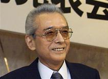 Hiroshi Yamauchi, l'homme qui a fait de Nintendo un géant du secteur des consoles de jeux vidéo, est mort jeudi d'une pneumonie à l'âge de 85 ans. /Photo d'archives/REUTERS