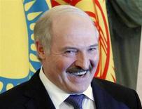 Президент Белоруссии Александр Лукашенко на саммите в Москве 19 марта 2012 года. Лукашенко намекнул, что задержанный его силовиками топ-менеджер российского Уралкалия может быть возвращен Москве. REUTERS/Anton Golubev