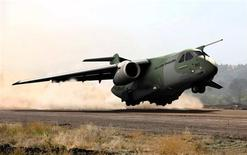 Military cargo plane Embraer KC-390 is seen in this computer generated image provided by Embraer to Reuters on September 19, 2013. REUTERS/Embraer/Handout via Reuters