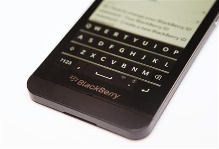 A view shows the keyboard of the Blackberry Z10 at a Rogers store in Toronto February 5, 2013. REUTERS/Mark Blinch/Files
