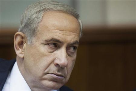 Israel's Prime Minister Benjamin Netanyahu attends the weekly cabinet meeting in Jerusalem September 1, 2013. REUTERS/Abir Sultan/Pool