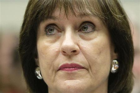 U.S. IRS official at heart of 'Tea Party' review scandal retires