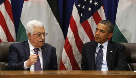 U.S. President Barack Obama (R) meets with Palestinian President Mahmoud Abbas during the United Nations General Assembly in New York September 24, 2013. REUTERS/Kevin Lamarque