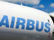 Les deux pilotes d'un Airbus A330 britannique effectuant le mois dernier un vol long-courrier à destination du Royaume-Uni se sont endormis et l'appareil a poursuivi sa route en pilotage automatique sans aucune supervision humaine, rapporte jeudi le quotidien The Sun. /Photo d'archives/REUTERS/Vivek PRAKASH