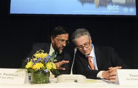 Intergovernmental Panel on Climate Change (IPCC) Chairman Rajendra Pachauri (L) and Co-chairman Thomas Stocker present the U.N. IPCC Climate Report during a news conference in Stockholm, September 27, 2013. REUTERS/Bertil Enevag Ericson/TT News Agency