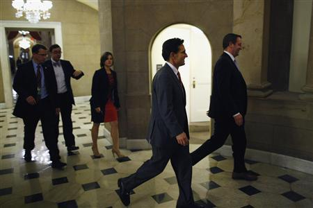 U.S. House Majority Leader Eric Cantor (R-VA) (C) walks into the offices of Speaker John Boehner (R-OH) (not pictured) during a rare late-night Saturday session at the U.S. Capitol in Washington, September 28, 2013. REUTERS/Jonathan Ernst