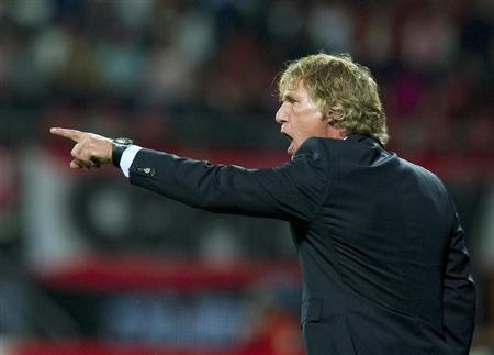 AZ Alkmaar's coach Gertjan Verbeek reacts during their Europa League second leg playoff soccer match Aalesunds FK at AFAS stadium in Alkmaar, in this August 25, 2011 file photo. REUTERS/Robin van Lonkhuijsen/United Photos