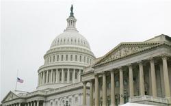 La Cámara de Representantes de Estados Unidos llevó el domingo de madrugada al Gobierno federal más cerca de una paralización al votar a favor de retrasar la reforma a la salud del presidente Barack Obama durante un año dentro de un proyecto de ley de gasto de urgencia. REUTERS/Hyungwon Kang HK/HB - RTRCRIF