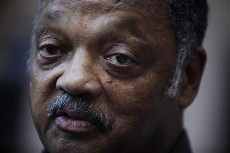 Civil rights activist Jesse Jackson talks to the media at the National hotel in Havana September 28, 2013. REUTERS/Enrique de la Osa