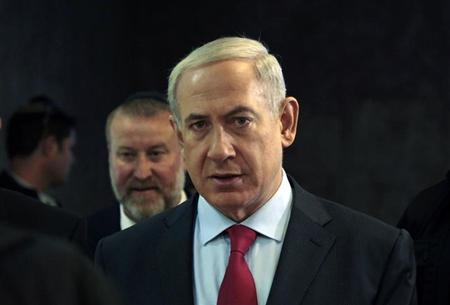 Israel's Prime Minister Benjamin Netanyahu arrives for the weekly cabinet meeting in Jerusalem September 17, 2013. REUTERS/Ammar Awad