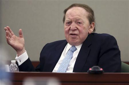 Las Vegas Sands Corp Chairman and Chief Executive Sheldon Adelson testifies on the witness stand at the Regional Justice Center in Las Vegas, Nevada in this April 4, 2013 file photo. REUTERS/Jeff Scheid/Pool/Files