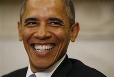 El presidente de Estados Unidos, Barack Obama, en una reunión con el primer ministro israelí, Benjamin Netanyahu, en la Casa Blanca en Washington, sep 30 2013. - El presidente de Estados Unidos, Barack Obama, dijo el lunes que no se resignaba a un cierre parcial del Gobierno, que comenzará a la medianoche si los legisladores no alcanzan un compromiso sobre el financiamiento del Gobierno federal, por lo que hablará con los líderes del Congreso en la jornada. REUTERS/Jason Reed