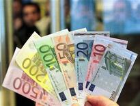 Les prévisions d'évolution des finances publiques présentées par la France à la Commission européenne tablent sur un déficit public à 1,2% du PIB fin 2017, selon Le Figaro à paraître mardi. /Photo d'archives/REUTERS/Danilo Krstanovic