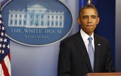 El Congreso de Estados Unidos, entrampado por los intentos de los republicanos de frenar la ley de salud del presidente Barack Obama, estaba a punto de provocar un cierre financiero de la mayor parte del Gobierno a partir de la mañana del martes. En la foto, Obama el lunes en una rueda de prensa en la Casa Blanca. Sept 30, 2013. REUTERS/Larry Downing