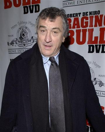 Robert DeNiro arrives to the 25th anniversary screening of the film 'Raging Bull,' in New York, January 27, 2005. DeNiro played boxer Jake LaMotta in the film. REUTERS/Chip East