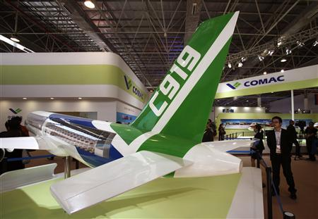 A model of the Comac C919 passenger plane, which is built by the Commercial Aircraft Corporation of China (COMAC), is displayed on the first day of the China International Aviation & Aerospace Exhibition, in the southern Chinese city of Zhuhai in this November 13, 2012 file photo. REUTERS/Bobby Yip/Files