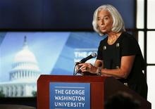 La jefe del Fondo Monetario Internacional (FMI), Christine Lagarde, en una charla en la Universidad George Washington en Washington, oct 3 2013. Si Estados Unidos no logra subir su límite de endeudamiento podría dañar no sólo a su economía, sino al resto de la actividad global, dijo el jueves la jefe del Fondo Monetario Internacional (FMI), Christine Lagarde. REUTERS/Larry Downing