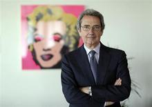 Le président de Telecom Italia, Franco Bernabe, a démissionné jeudi après avoir perdu le soutien des principaux actionnaires du groupe, ouvrant la voie à d'éventuelles cessions d'actifs de la part de l'opérateur télécoms italien. /Photo prise le 19 avril 2013/REUTERS/Alessandro Bianchi