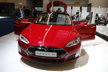 A Tesla model S car is displayed during a media preview day at the Frankfurt Motor Show (IAA) September 10, 2013. REUTERS/Kai Pfaffenbach