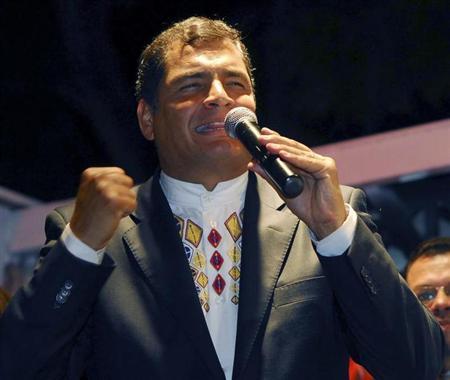 Ecuador's President Rafael Correa celebrates after winning a referendum vote in Guayaquil September 28, 2008. REUTERS/Stringer