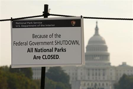 10月4日、米国初のデフォルトが発生する場合に予想される展開をまとめた。写真はワシントンの連邦議会議事堂(2013年 ロイター/Kevin Lamarque)
