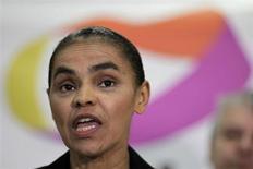 A ex-senadora Marina Silva concede entrevista em Brasília nesta sexta-feira. Ela ainda não decidiu sobre uma eventual filiação a um partido para disputar a Presidência da República no ano que vem. REUTERS/Ueslei Marcelino