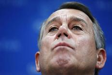 """O presidente da Câmara dos Deputados, John Boehner, fala a reporteres durante entrevista coletiva no Capitólio dos Estados Unidos, em Washington. Boehner disse no domingo que os republicanos não concordam """"de jeito nenhum"""" com uma medida para elevar o teto da dívida do país, sem impor condições para conter o déficit. 4/10/2013. REUTERS/Jonathan Ernst"""