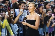 """A atriz Scarlett Johansson no lançamento de seu novo filme, """"Don Jon"""", no mês de setembro, em Toronto, Canadá. A atriz foi eleita, nesta segunda-feira, como a mais sexy mulher viva pela revista Esquire. 10/09/2013 REUTERS/Mark Blinch"""