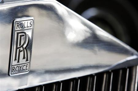 The company logo is seen on a Rolls Royce Phantom III car at the Continental Automobile dealership in Villeneuve sur Lot, Southwestern France, February 15, 2013. REUTERS/Regis Duvignau/Files