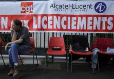 Le site d'Orvault, près de Nantes, qu'Alcatel-Lucent prévoit de fermer. L'équipementier du secteur des télécommunications a annoncé mardi la suppression de 10.000 postes dans le monde, dont environ 900 en France, dans le cadre d'un plan visant à économiser un milliard d'euros d'ici 2015. /Photo prise le 8 octobre 2013/REUTERS/Stéphane Mahé