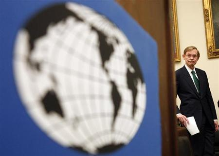 Former World Bank President Robert Zoelick waits for the start of a news conference on the launch of the new Congressional World Bank Caucus on Capitol Hill in Washington July 16, 2008. REUTERS/Jim Young/Files