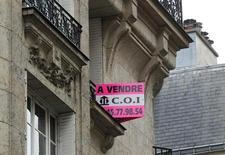 Les prix des logements anciens ont baissé de 1,1% en moyenne sur un an au deuxième trimestre en France, selon l'indice notaires-Insee. /Photo d'archives/REUTERS/Mal Langsdon