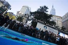 U.S. long-distance swimmer Diana Nyad begins her 48 hour continuous swim at Herald Square in New York October 8, 2013. REUTERS/Eduardo Munoz