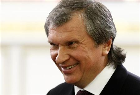 Rosneft President and Chairman of the Management Board Igor Sechin smiles before a signing ceremony after talks with the Chinese delegation at the Kremlin in Moscow March 22, 2013. REUTERS/Sergei Karpukhin