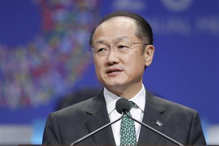 World Bank President Jim Yong Kim addresses the plenary session at the start of the annual IMF-World Bank fall meetings in Washington, October 11, 2013. REUTERS/Jonathan Ernst