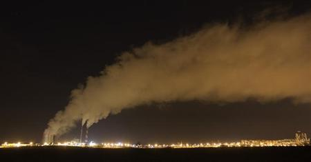 A gas-fired power station is seen during a frosty night in Minsk, December 4, 2012. REUTERS/Vasily Fedosenko