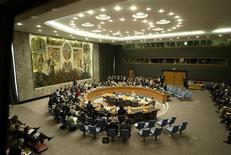 """Заседание Совбеза ООН в штаб-картире ООН в Нью-Йорке 20 июля 2006 года. Саудовская Аравия отказалась занять ротационное место в Совете безопасности ООН, сославшись на """"двойные стандарты"""", которые не позволяют организации положить конец конфликтам и войнам. REUTERS/Keith Bedford"""