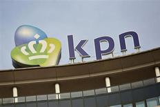 KPN entend réduire ses investissements dans ses réseaux fixes et mobiles par rapport aux prévisions initiales. L'opérateur néerlandais explique être en avance sur ses concurrents en la matière. /Photo d'archives/REUTERS/Phil Nijhuis